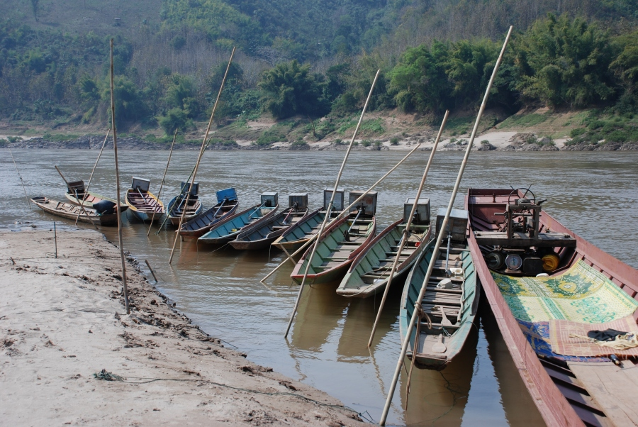 กองเรือหมู่บ้านใต้เขื่อนไซยะบุรี