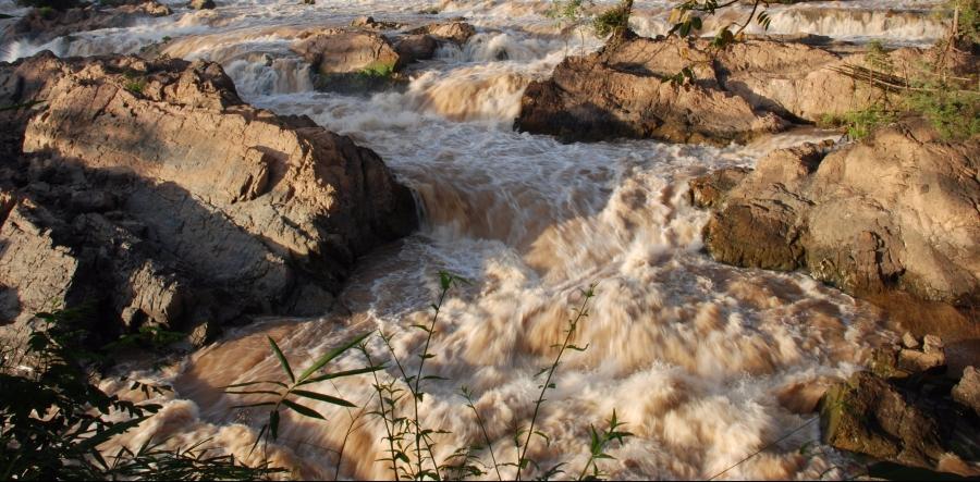 น้ำตกหลี่ผีในฤดูฝน(2)